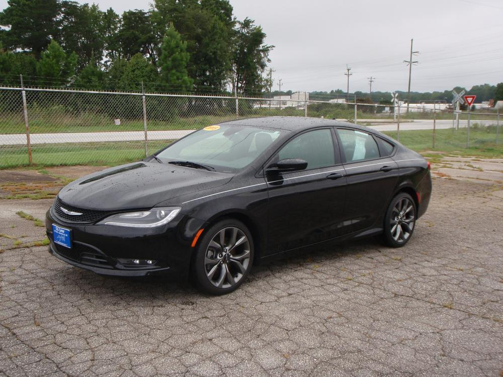 2015 BLACK /BLACK Chrysler 200 S (1C3CCCBG2FN) with an 3.6L V6 DOHC 24V FFV engine, 9-Speed Automatic transmission, located at 2812 White Horse Road, Greenville, SC, 29611, (864) 269-1711, 34.808655, -82.434776 - Photo #0