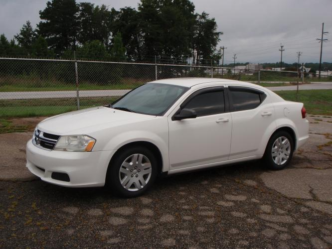 2011 WHITE /Charcoal Dodge Avenger Express (1B3BD4FB3BN) with an 2.4L L4 DOHC 16V engine, 4-Speed Automatic transmission, located at 2812 White Horse Road, Greenville, SC, 29611, (864) 269-1711, 34.808655, -82.434776 - Photo #0